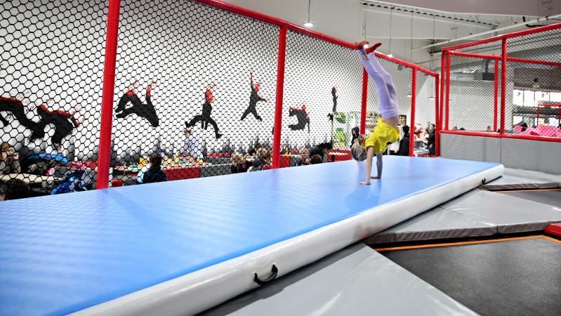 Airtrack - Nafukovací gymnastická žíněnka